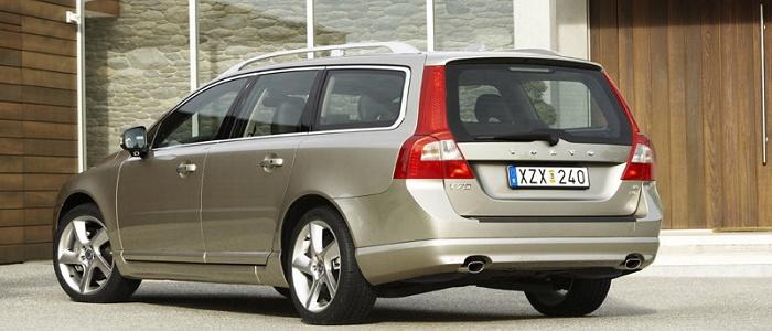 Volvo V70 D5 vs Mercedes Benz E Estate 220 CDI