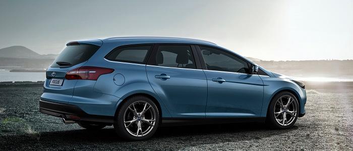 peugeot 308 sw gt 2 0 bluehdi 180 vs ford focus wagon 2 0 tdci st automaniac. Black Bedroom Furniture Sets. Home Design Ideas